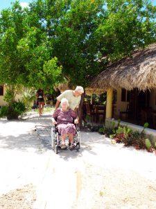 Eco Hotel Restaurant Maya Lun Mahahual Mexico   Playa acesible para silla de ruedas