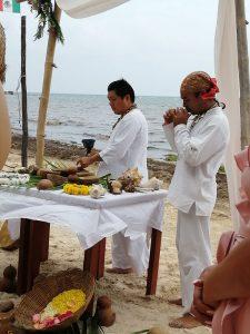 Eco Hotel Restaurante Maya Luna Mahahual EcoBoda en la Playa ceremonia Maya