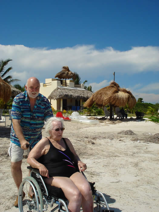 Eco Hotel Restaurant Maya Luna Mahahual. Wheel chair accesible beach