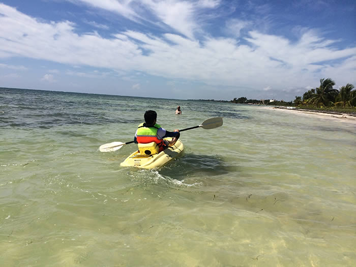 Mahahual Hotel Maya Luna. Kayaking in front of the hotel