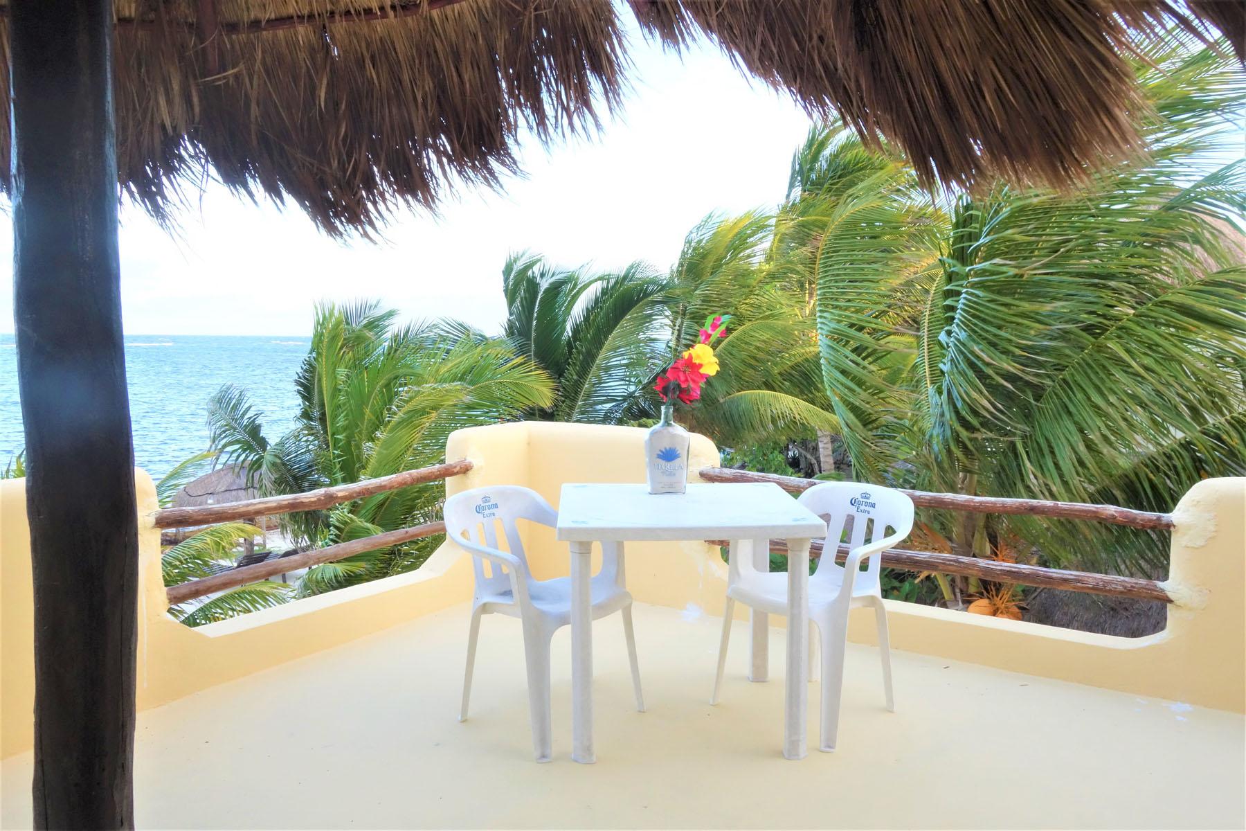 Eco Hotel Restaurant Maya Luna Mahahual. roof terrace