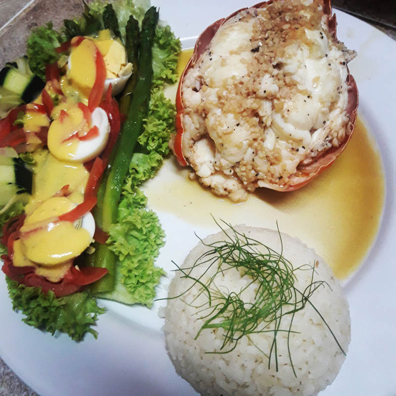Hotel Restaurant Maya Luna fresh lobster with garlic
