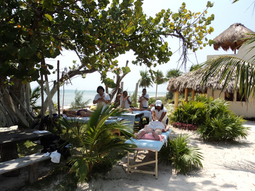 Hotel restaurant Maya Luna Massage on the beach