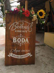 Eco Hotel Restaurante Maya Luna Mahahual EcoBoda letrero