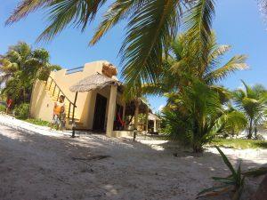Hotel Restaurant Maya Luna Mahahual bungalow afuera