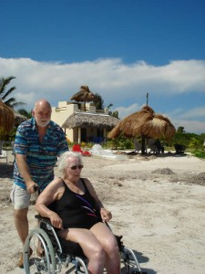 Eco Hotel Restaurant Maya Luna Mahahual. Wheel chair accesible beach