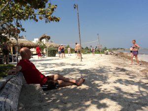 Eco Hotel Restaurant Maya Luna Mahahual. Beach club day pass cruisers